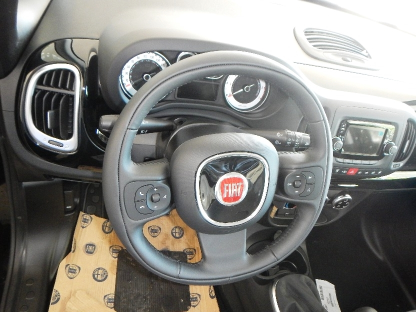 Fiat 500l Natural Power Pop Interni 2 Crescenzo Automobili