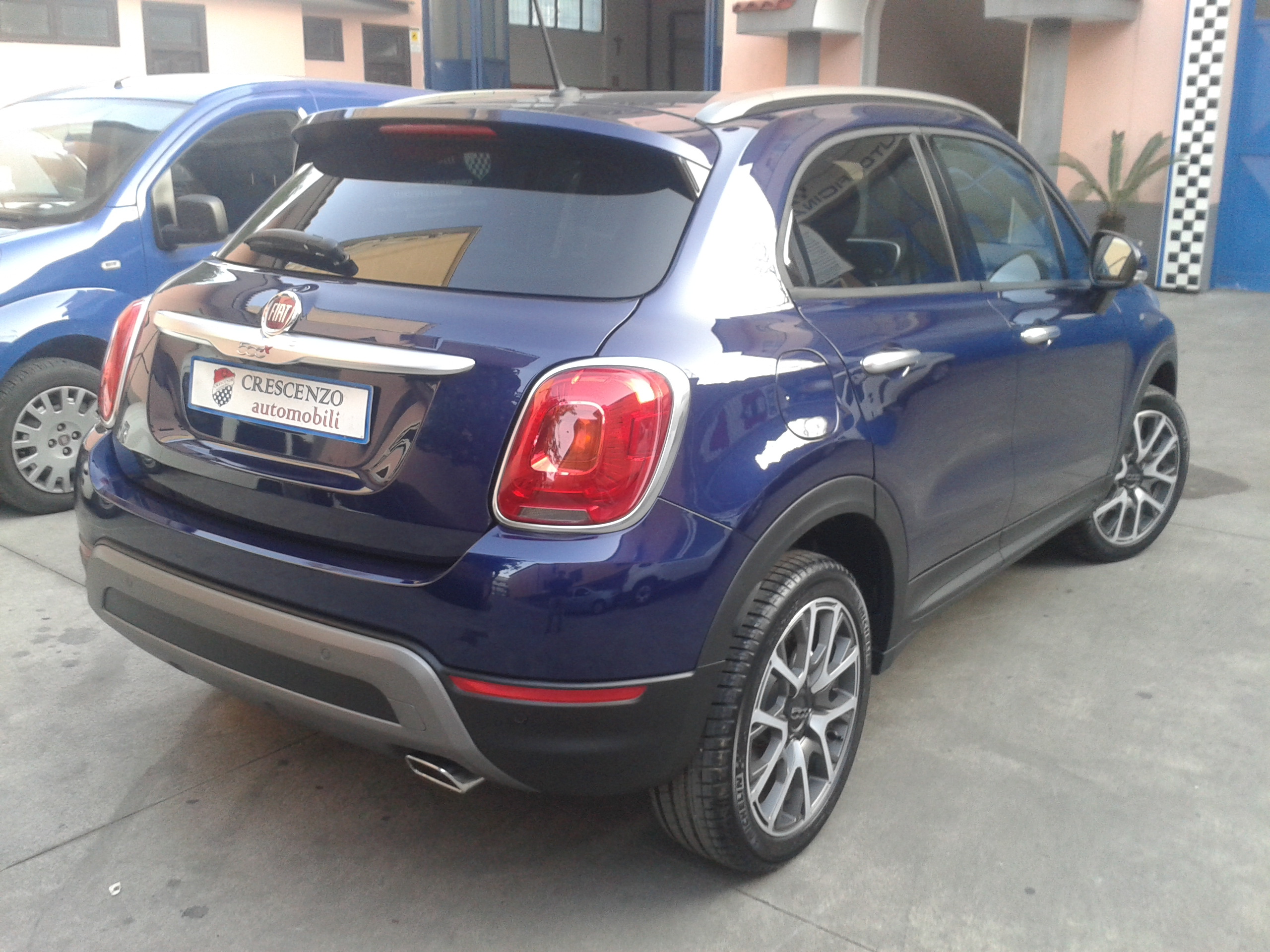 fiat 500x blu venezia automobili image idea. Black Bedroom Furniture Sets. Home Design Ideas