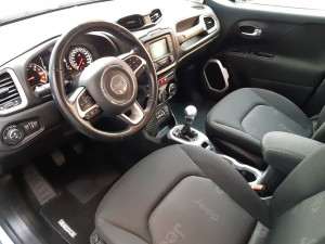 Jeep Renegade business (22)