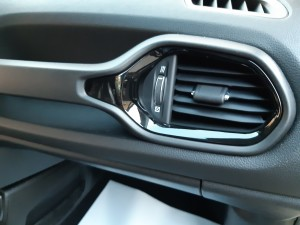 Jeep Renegade Granite Crystal Black line (14)