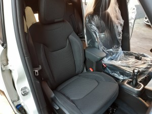 Jeep Renegade black line (18)
