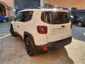 Jeep Renegade black line (6)
