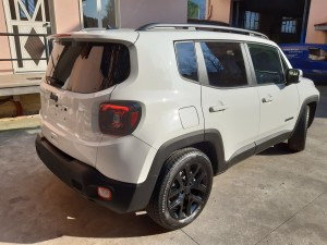 Jeep Renegade black line (8)